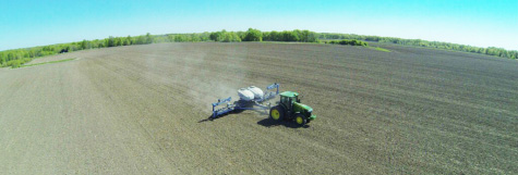 Planting a DuPont Pioneer multi-hybrid trial in 2015.